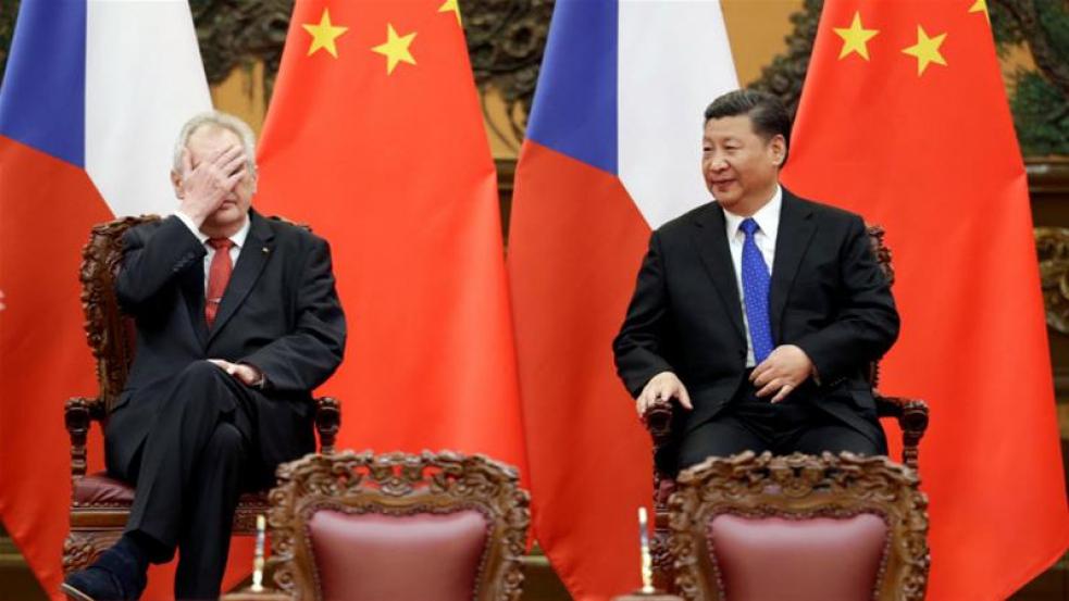 Kuberová: Z dopisu čínské ambasády jsem měla hrůzu. Zeman vzal Kuberu holí po hlavě