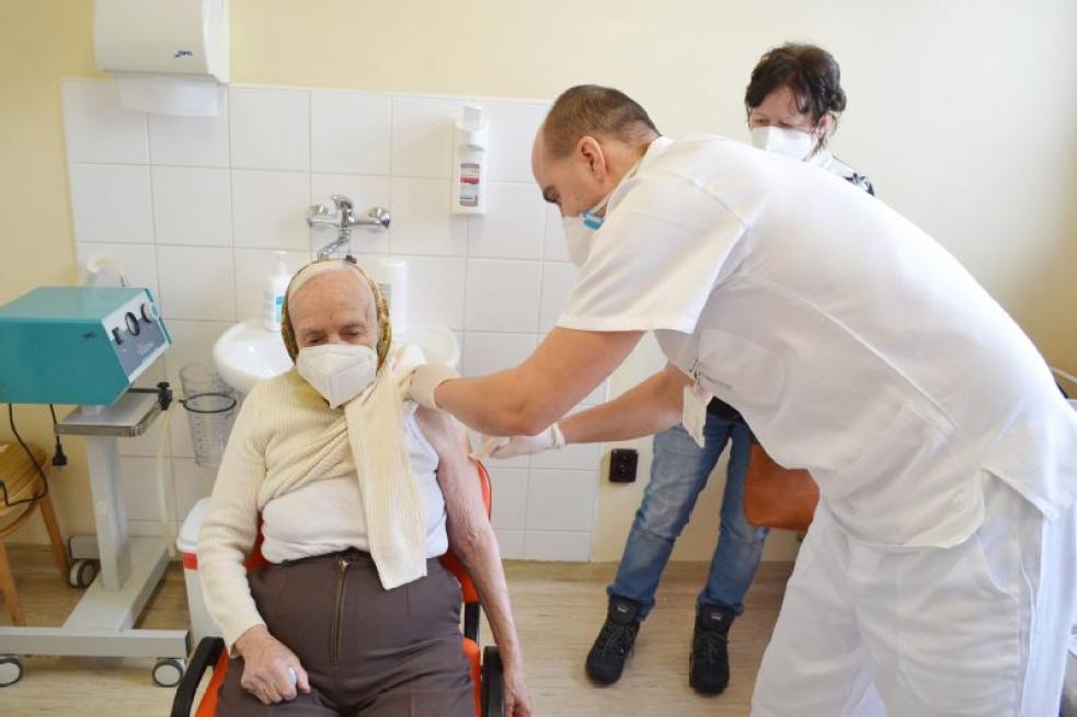 Očkovací centrum ve Valašském Meziříčí přejde po Velikonocích do dvousměnného provozu