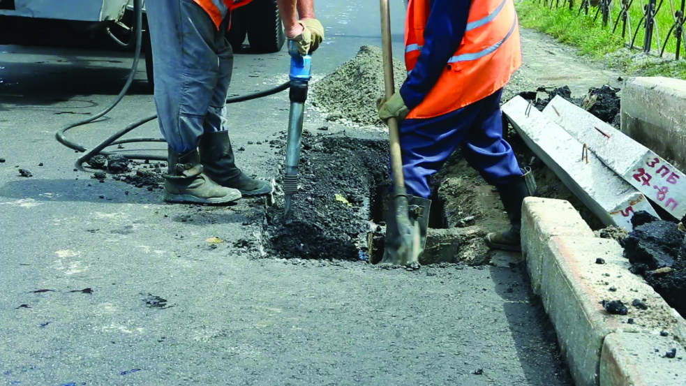Začala oprava Bezručovy ulice v Rožnově