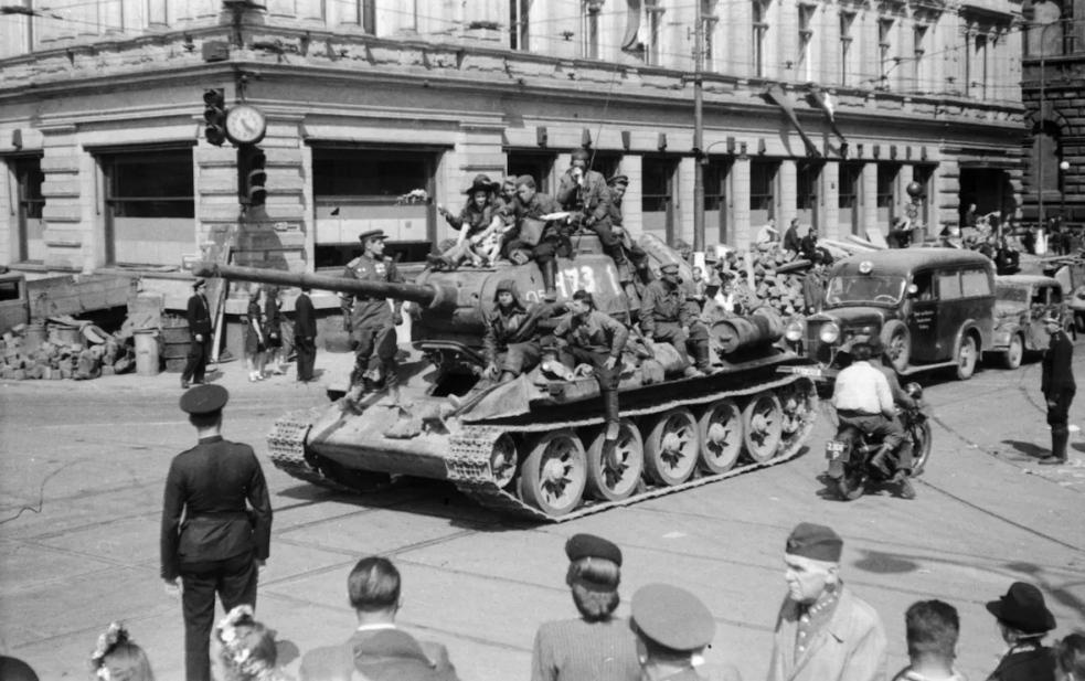 Hřibův výrok o příjezdu Rudé armády do svobodné Prahy? V zásadě správný, říkají historici