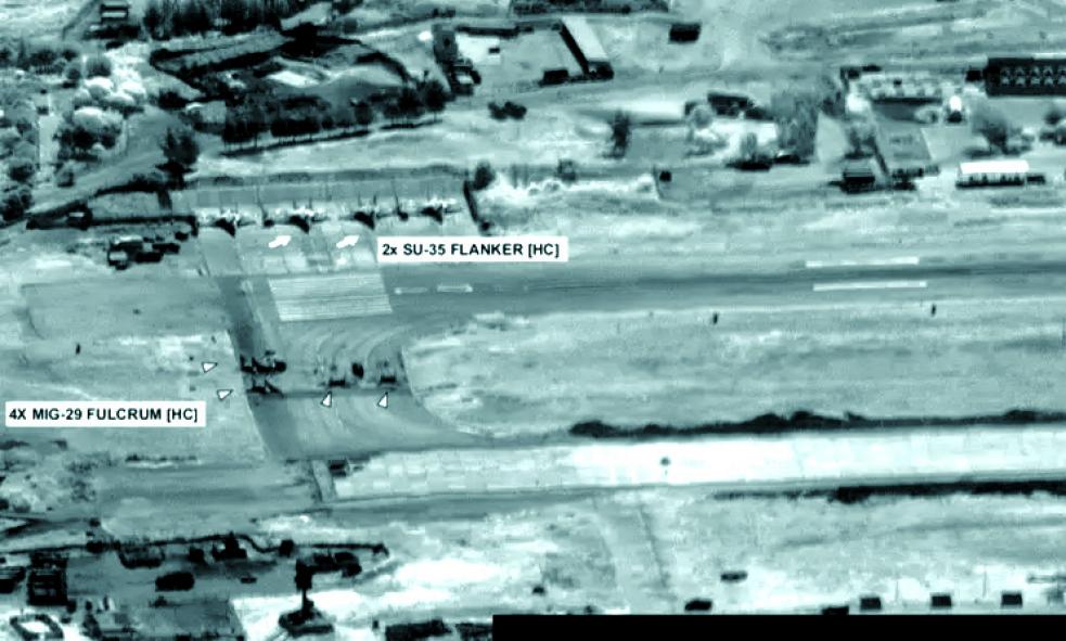 Rusko vyslalo do Libye bojová letadla, Pentagon zveřejnil jejich satelitní snímky