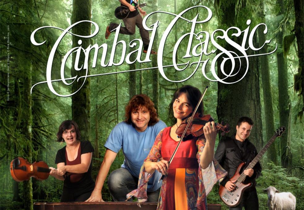 Koncert skupiny Cimbal Classic v Dřevěném městečku
