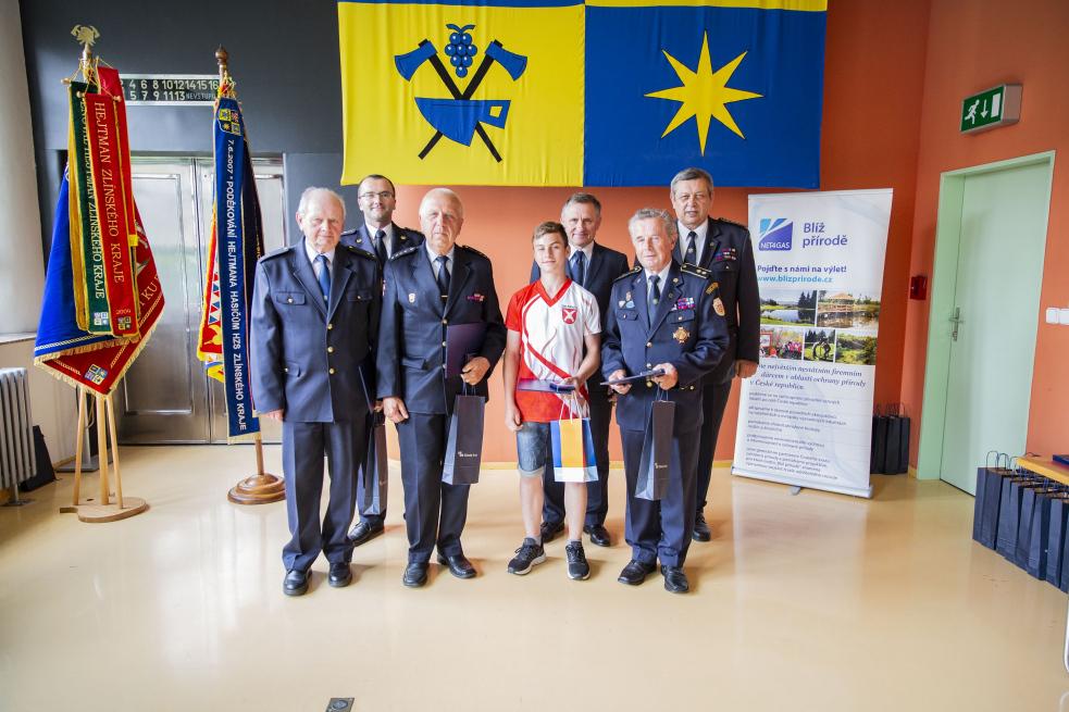 Hejtman Jiří Čunek ocenil dobrovolné i profesionální hasiče