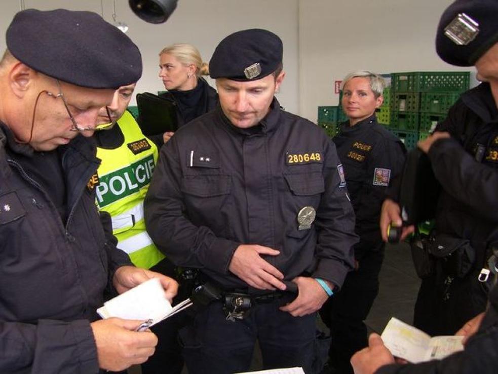 V kraji proběhl zátah cizinecké policie. V síti uvízlo 13 cizinců