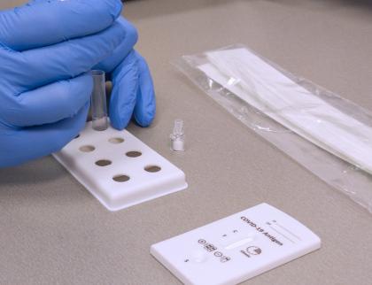 Plošné antigenní testování v nemocnici AGEL Valašské Meziříčí pokračuje