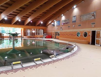 Oprava krytého bazénu ve ValMezu se chýlí ke konci