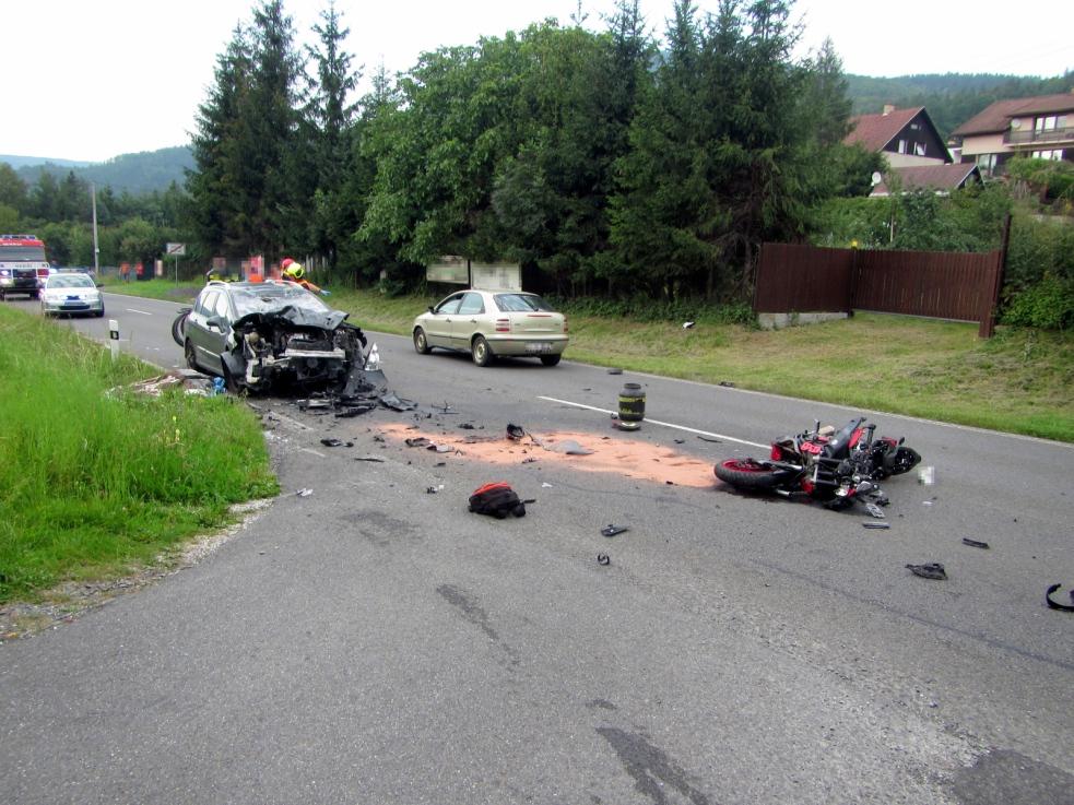 Řidič motocyklu nehodu v Horní Bečvě nepřežil
