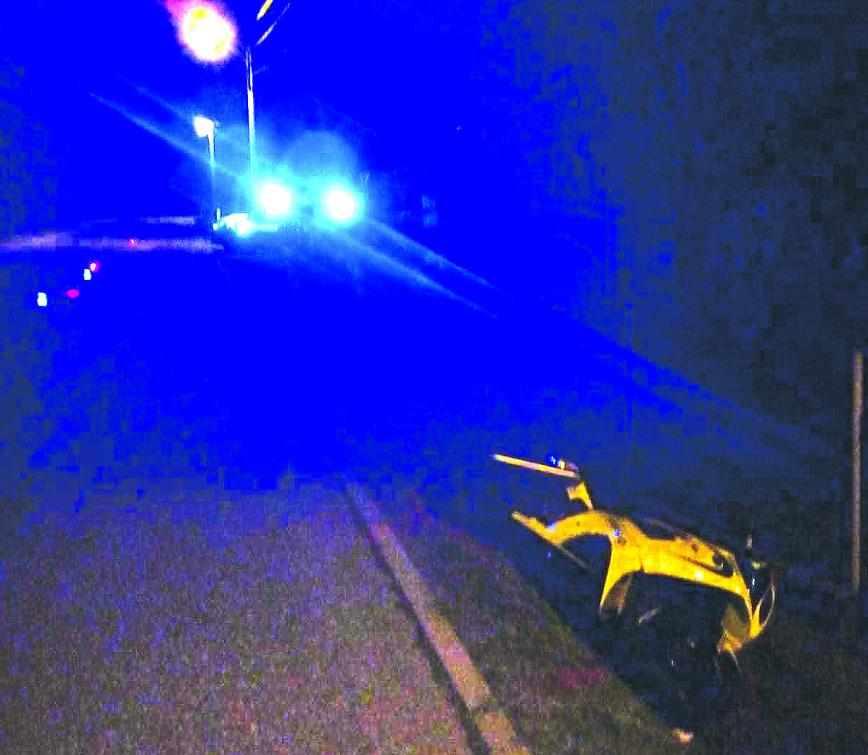 Motocyklista ve Valašském Meziříčí nezvládl předjížděcí manévr. Svým zraněním podlehl