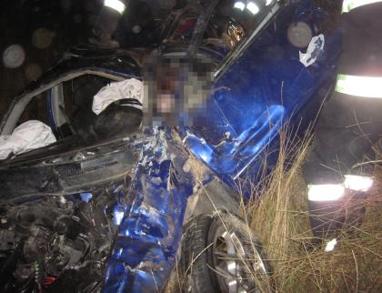 U Valašského Meziříčí zemřel v autě mladý řidič