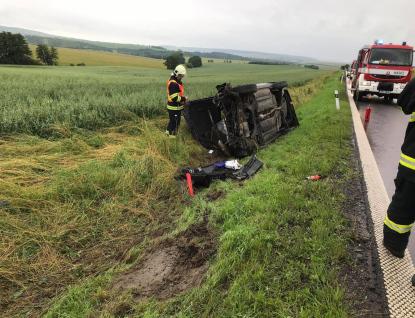 Velká voda a dopravní  nehody v kraji zaměstnávaly profesionální i dobrovolné hasiče i v neděli