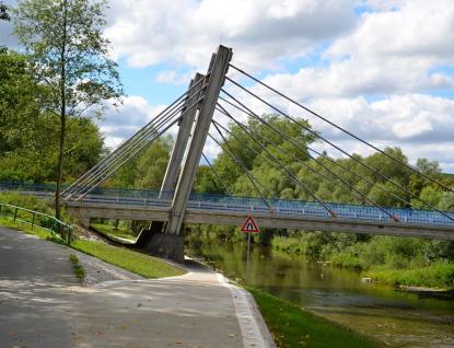 Cyklistům už slouží nový úsek cyklostezky pod hrachoveckým mostem