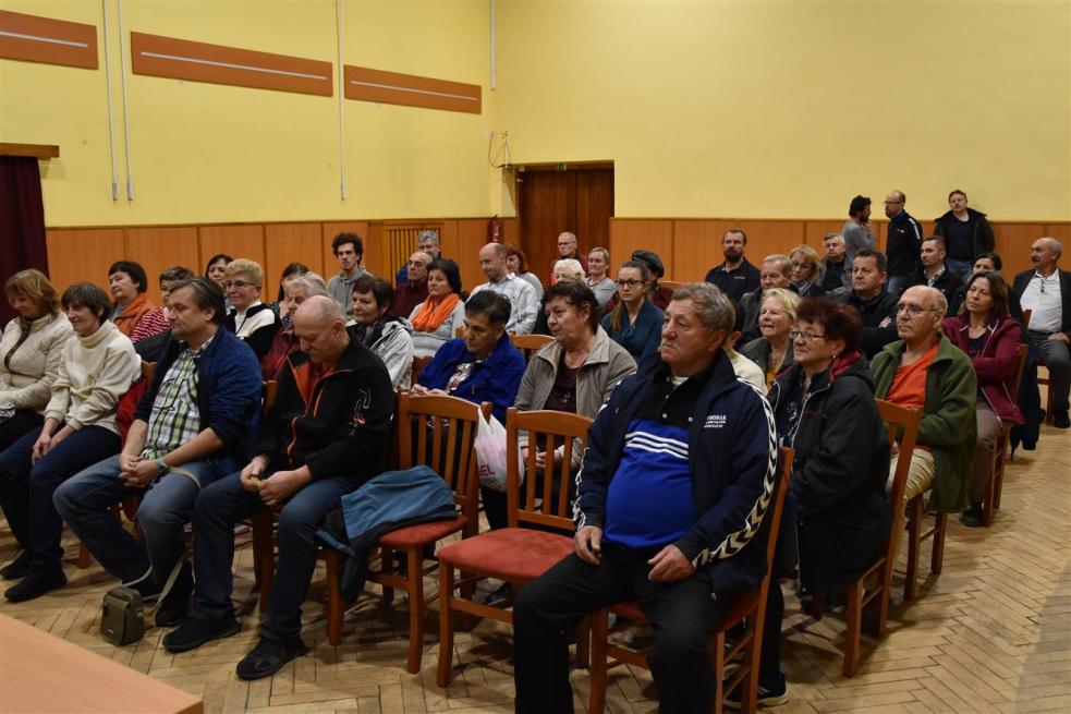 Lidé vHrachovci se ptali vedení města