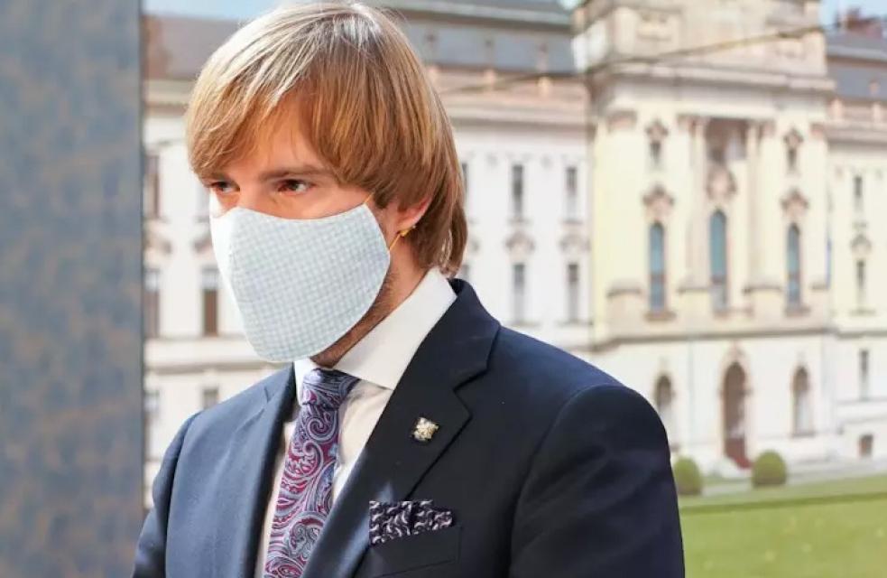 Ministr Vojtěch si objednal respirátory za 1,2 miliardy u muže, který o nich nic nevěděl