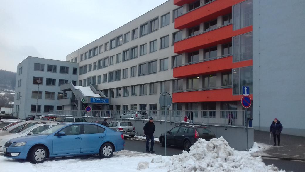 Vsetínská nemocnice navyšuje kapacity odběrových míst