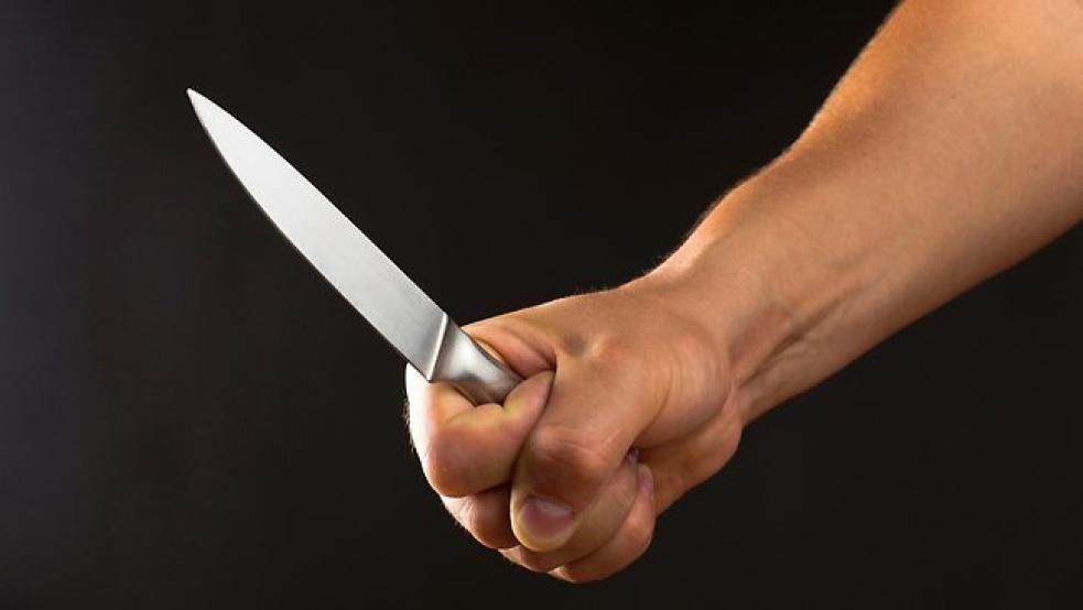 Chtěl peníze, vyhrožoval nožem. Hrozí mu deset let vězení