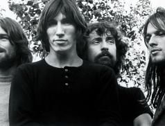 Gilmour si myslí, že vlastní Pink Floyd, na stránky nemůžu, stěžuje si Waters