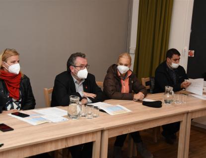Obyvatelé Podlesí-Křivé diskutovali svedením města