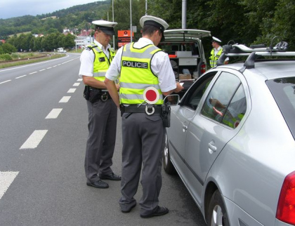 Velikonoce: 36 dopravních nehod, na pět tisíc zkontrolovaných vozidel