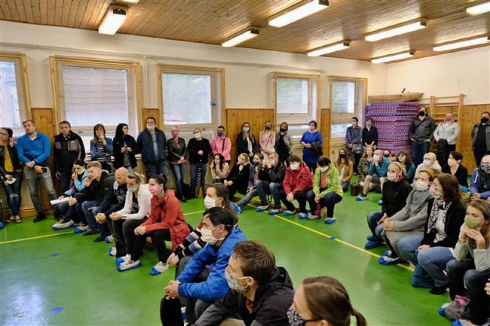 Vedení města se sešlo srodiči žáků ZŠ Záhumení