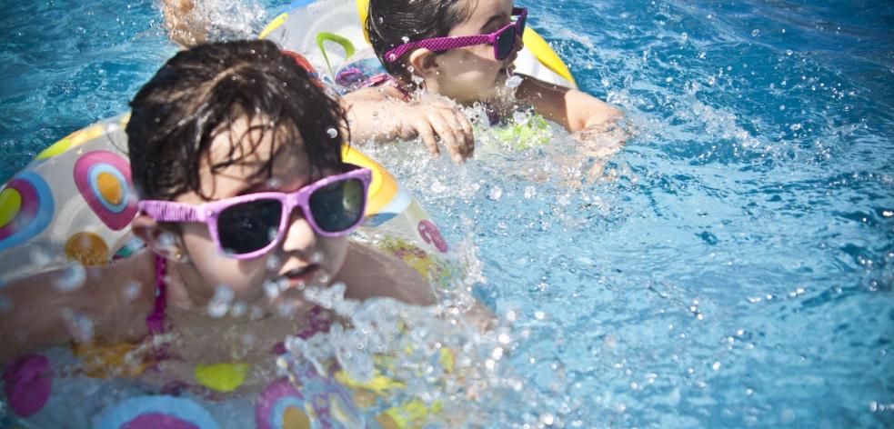 Rožnovský krytý bazén má nové šatny, sprchy i další vybavení