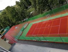 Město vybudovalo nové víceúčelové sportovní hřiště za 6,6 milionu