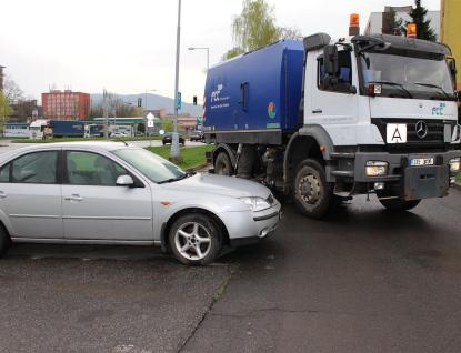 Očistu města opět komplikují neukáznění řidiči