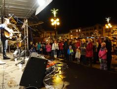 Rožnov čeká nabitý víkend a poté i pětidenní Vánoce na náměstí