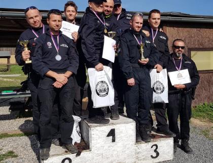 Strážníci sbírají medaile ve střeleckých soutěžích