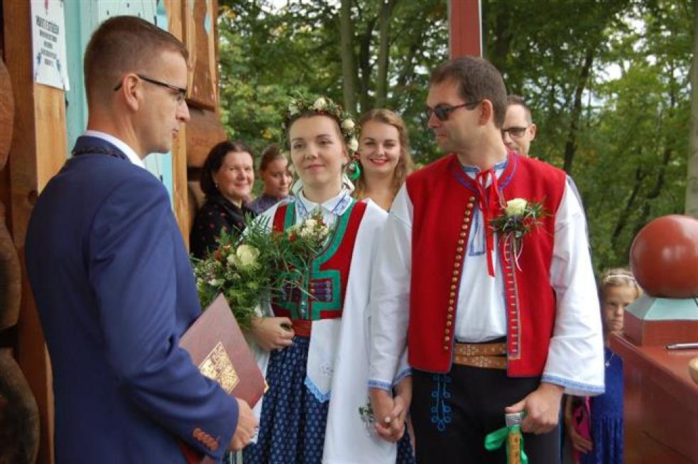 V Rožnově oddali 89 párů. Premiéru měla svatba na Jurkovičově rozhledně