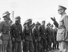 Solženicyn o generálu Vlasovovi: K vlastizradě došlo, ale byla to zrada Stalinova