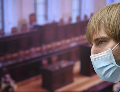 Vláda chce protlačit nebezpečnou novelu zákona o ochraně veřejného zdraví. Opozice bouří