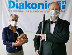 Internetová aukce Diakonie Vsetín vynesla bezmála 90 tisíc
