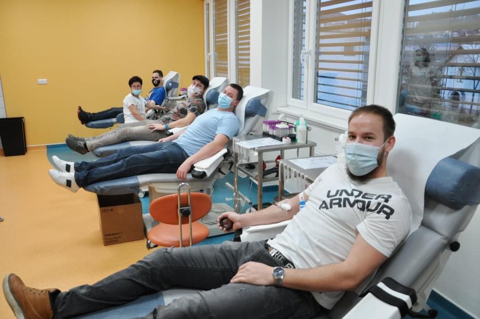 Zdravotníci ve Vsetíně přivítali třítisícího dárce krve, vzrostl počet odběrů i prvodárců