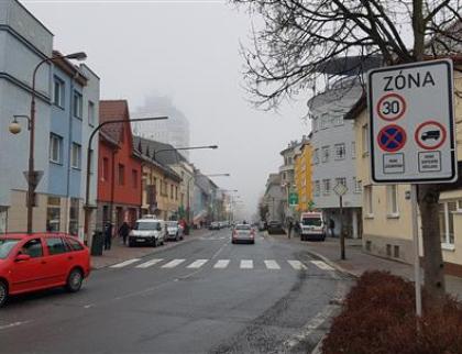 Nedostatek parkovacích míst vsetínská radnice aktivně řeší