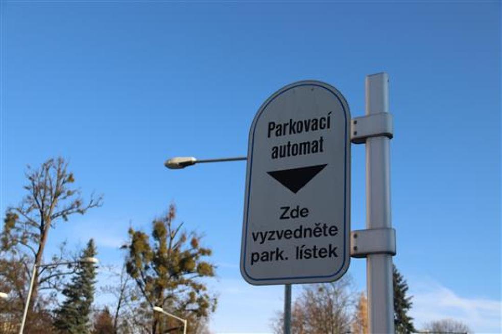 Parkovné ve Vsetíně můžete od 6. ledna platit nejen v automatu