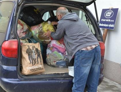 Darujte nevyužité věci, pomůžete lidem a ulehčíte přírodě