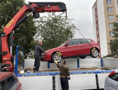 Ve Vsetíně chtějí z ulic vytěsnit autovraky