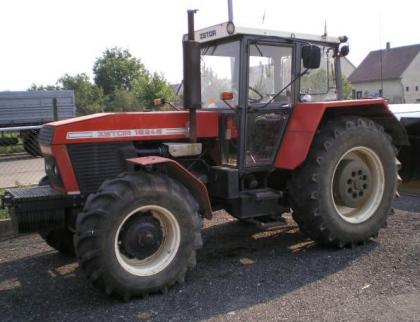 Očesal traktor a ukradl i sto litrů nafty