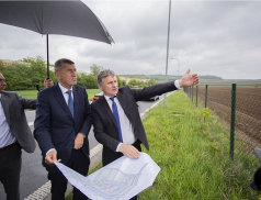 Hejtman Jiří Čunek představil premiérovi projekt nové nemocnice