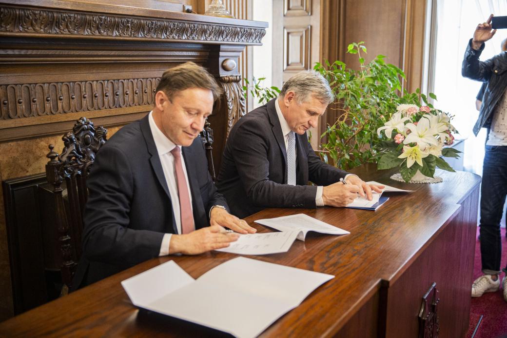 Zlínský kraj se připojil kpodpisu memoranda o prodloužení Baťova kanálu do Olomouckého kraje
