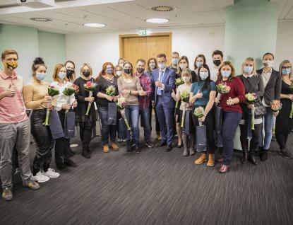Pracovníci zlínské firmy pomáhali strasováním, hejtman Radim Holiš jim za to poděkoval