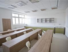 Na rožnovském gymnáziu vznikne nová učebna se studovnou