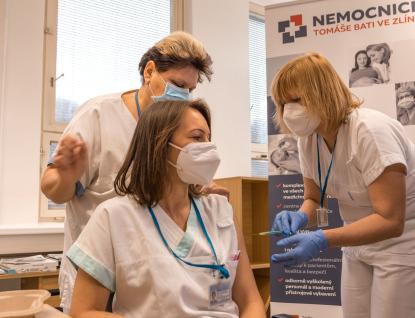 Očkování ve Zlínském kraji začalo, během dvou dnů dostane vakcínu bezmála dvanáct set zdravotníků