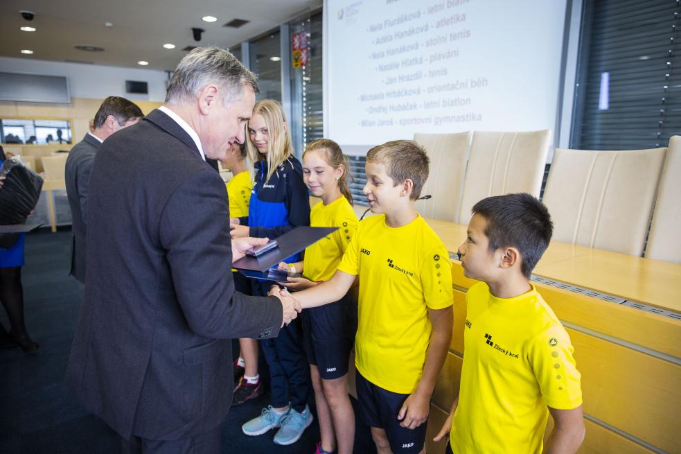 Představitelé kraje ocenili úspěšné mladé olympioniky