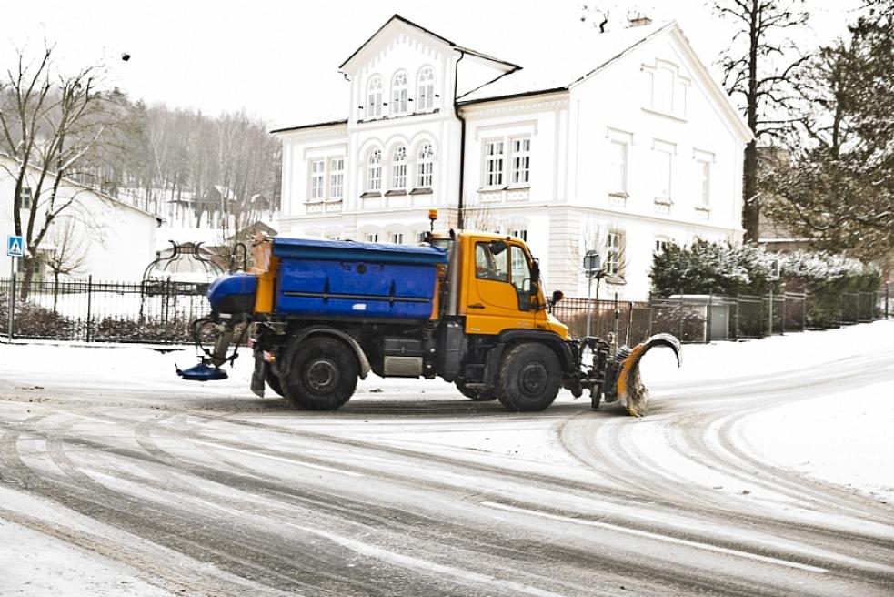 Silničáři hlásí první zimní zásah vnové sezoně