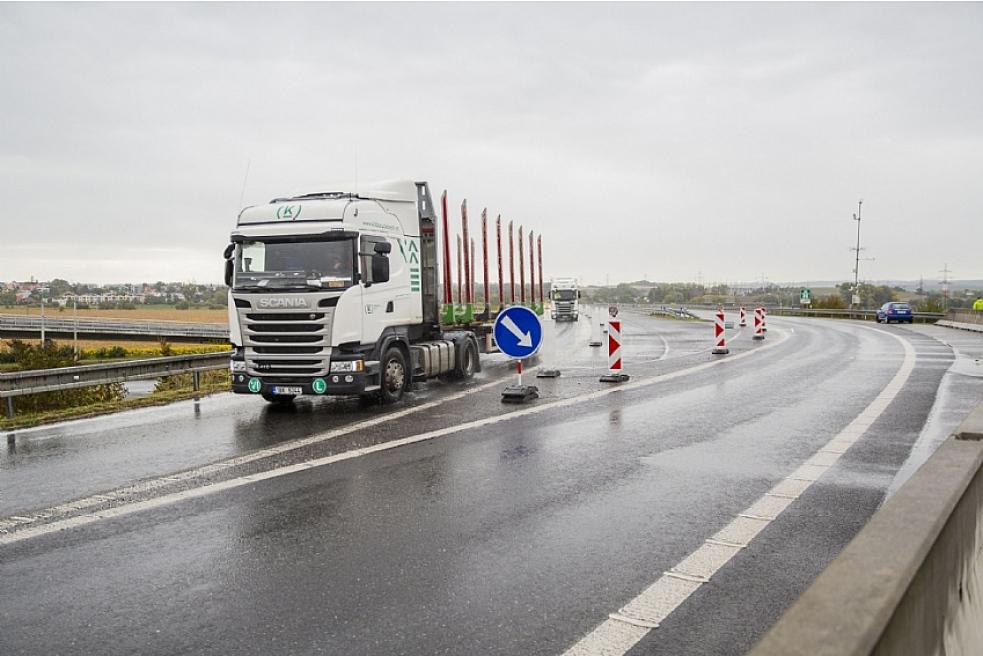 Na udržení kvality krajských silnic je třeba investovat ročně půl miliardy