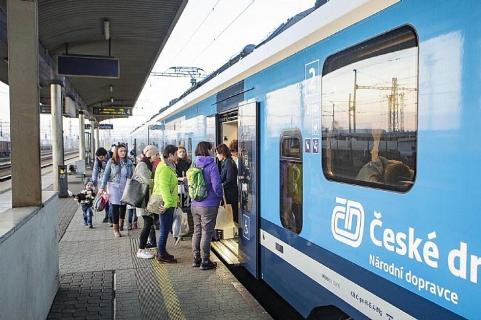 Kraj uzavře nové smlouvy s dopravci na železnici, budou jimi České dráhy a ARRIVA vlaky