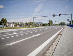Během léta a podzimu se ve Zlínském kraji obnoví téměř 400 kilometrů vodorovného značení