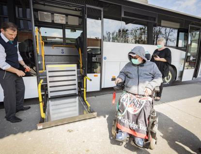 Ve Zlínském kraji budou jezdit nové autobusy sbezbariérovou úpravou