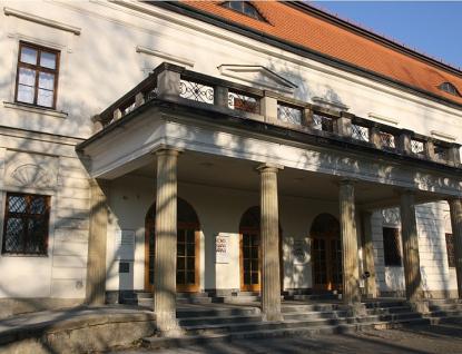 Více než stovku starých oken na vsetínském zámku čeká modernizace